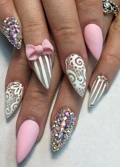 O strass listrado branco cor-de-rosa prega a arte do prego - Design de Unhas Hot Nails, Pink Nails, Hair And Nails, Stiletto Nail Art, Acrylic Nail Art, Nail Nail, Nail Art 3d, Nail Polish, Nail Art Rhinestones