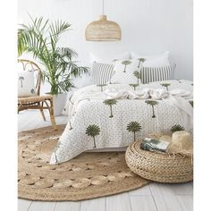 14 tropical bedrooms that make you feel like you're sleeping in the Great Ou … – Bedroom Inspirations Room Ideas Bedroom, Home Bedroom, Diy Bedroom Decor, Bedroom Furniture, Home Decor, Ikea Bedroom, Winter Bedroom, Tropical Bedrooms, Small Bedrooms