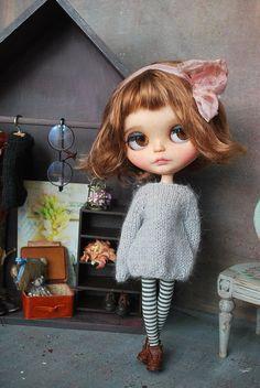 Handmade SWEATER for BLYTHE doll hand knit licca takara