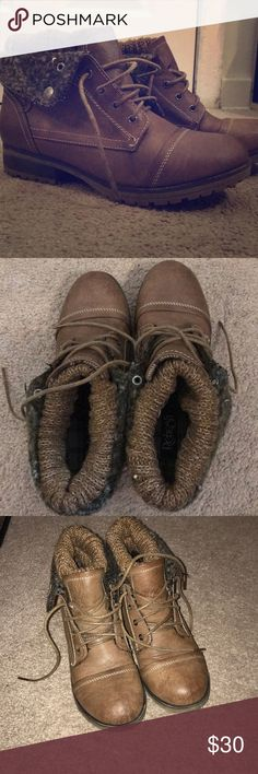 Women's warm boots Rarely worn. Women's size 8 boots. Very warm! Good for walking in the snow. Can wear them many different ways. Shoes Winter & Rain Boots