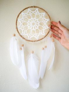 This crochet wall pendant will bring cozy atmosphere and positive energy to your home. Dreamcatchers make the perfect birthday and baby shower gifts. That is my favorite crochet design. Dream Catcher Decor, Dream Catcher Nursery, Large Dream Catcher, Dream Catcher Boho, Dream Catchers, Dreamcatcher Crochet, Baby Shower Tribal, Girl Nursery, Nursery Decor