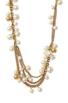 Jewelry has never looked so timeless with this gold chain strand of pearls. The Gabrielle Pearl Necklace from Stella & Dot lends a fresh feel to this staple.  Love this!