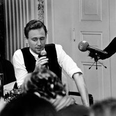 Tom Hiddleston - Tom Hiddleston Photo (32645302) - Fanpop