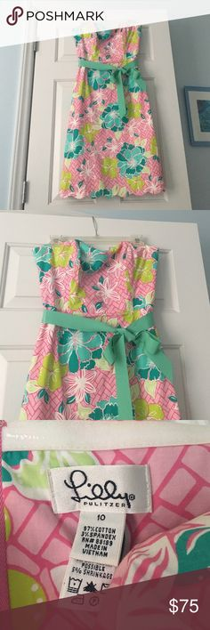 Vintage Lilly Pulitzer strapless dress This is a vintage, white label Lilly Pulitzer strapless dress size 10. It was purchased for a function in college and was worn 2 times. It has been kept in a smoke free home and would be a great addition to the collection of any Lilly lover! Lilly Pulitzer Dresses Strapless