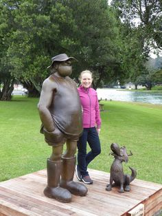 Holidaying in Gisborne and look who I bumped into? Realistic statues of Wal and his dog, Dog, as a tribute to Murray Ball, originally from . Footrot Flats, Penal Colony, Who People, Kiwiana, Mamma Mia, A Comics, Feature Film, Comic Strips, Gnomes