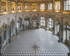 A marvelous volume celebrating the magnificent 17th century château, A Day at Château de Vaux le Vicomte is a must have for design and history aficionados.
