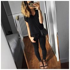 Tenue noire et masse capillaire Silk Top #theyskenstheory (last year on @modetrotter) Jean #jbrand (on @jbrandjeans) Sandals #isapera (on @isapera.sandals) Bag #mansurgavriel (on @nathalieschuterman.se) ... by audreylombard