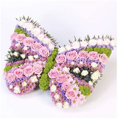 Send your thoughts and condolences with funeral flowers. We have wide range of funeral flowers as well as large standing funeral sprays and casket sprays. Flowers Uk, Unique Flowers, Butterfly Flowers, Beautiful Flowers, Funeral Floral Arrangements, Beautiful Flower Arrangements, Deco Floral, Arte Floral, Casket Sprays