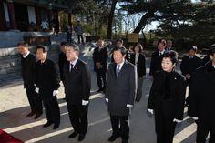 2014년 1월 2일, 강릉시의회 의원들이 충혼탑, 3.1기념탑, 문성사를 참배하다.