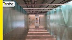 Pavimento industrial de acabado decorativo para espacio de uso público y...
