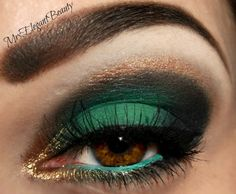Amazing eyeshadow color. She used Maybelline eyestudio eyeshadow - limited edition Green with fashion - 810