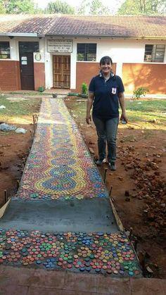 """Proyecto educativo.. """"Camino de colores"""" campaña de concienciación a cerca de la importancia del Reciclaje.. 12 mil tapitas de plásticos 💪💪 Colegio Nac. Moisés S. Bertoni- Capitán Miranda - Itapúa"""