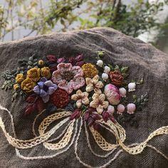 @seo_me_k #needlework #프랑스자수 #자수타그램 #자수 #hendmade #embroidery #꽃다발자수 #은방울꽃 조하 내가 좋아하는 꽃들 모아 ~~ #embroideryart #embroideryhandmade #리투아니아린넨에 작은 꽃다발자수