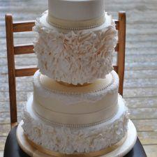 Ruffles and Gold Wedding Cake €850