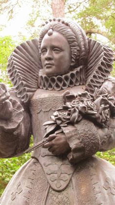 Sampler Girl blog: Statue of Elizabeth I at the Elizabethan Gardens in Outer Banks, NC.