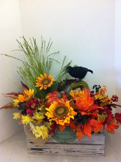 Crow crate custom floral by Andrea for Michaels Laverne ca Autumn Decorating, Fall Decor, Adornos Halloween, Fall Floral Arrangements, Harvest Decorations, Fall Projects, Fall Flowers, Fall Wreaths, Fall Crafts