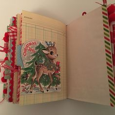 Christmas Mini Albums, Christmas Journal, Christmas Scrapbook, Retro Christmas, Vintage Christmas Cards, Scrapbook Journal, Mini Scrapbook Albums, Scrapbook Paper Crafts, Paper Crafting