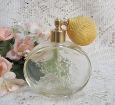 Vintage Avon Elegant Atomizer Perfume Decanter Bottle $9.00