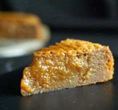 This barely-set salted caramel cake isrich dense and fudgy. Its gooey caramel centre oozes out uponfirst bite. Fondant Au Caramel, Salted Caramel Cake, Chestnut Cake Recipe, Welcome To Good Burger, Cake Recipes, Dessert Recipes, Foundant, Gluten Free Deserts, No Cook Desserts