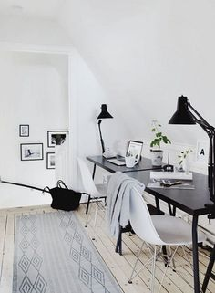 Black and white home office via Myliving.se.