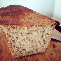 homemade bread, domowy chleb pszenno żytni http://zolzazwyczajnainaczej.com/2015/03/16/domowy-chleb-zytnio-pszenny-na-drozdzach-dla-poczatkujacych-piekarzy/
