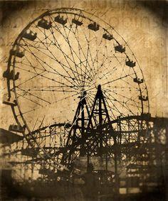 Vintage Carnival Ferris Wheel ~ Beautiful, looks like an etching. Vintage Carnival, Vintage Circus, Circo Vintage, Mystery, Carnival Rides, Night Circus, Encaustic Art, Portraits, Roller Coaster