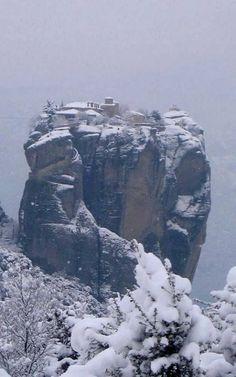 Snowy #Meteora - kalampaka, Thessaly, Greece