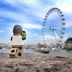 L'histoire étonnante d'un Lego photographe qui parcourt le monde