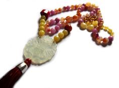 Long Necklace, Natural stone, jade, coral, quartz, silk, Buddhist, Japanese inspiration. de Malespintes en Etsy