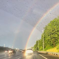 A rainbow at the end of a summer shower! ️ #realestatesiny #statenisland #newyork #realestate #summer #summerrain #rainbow #statenislandexpressway
