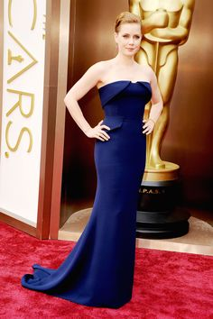Amy Adams T the Oscars 2014... Love the navy and the fitted, clean look