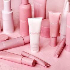 Kylie Jenner Makeup, Kendall And Kylie Jenner, Kyle Jenner, Kylie Jenner Instagram, Makeup Remover Wipes, Hand Cream, Skin Makeup, Girly Things, Random Things