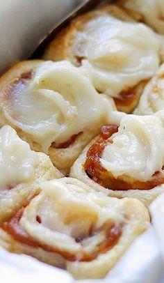 best food in the world: Pumpkin Pie Cinnamon Rolls
