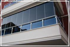 Asya Cam Balkon'un Ankara'da üretimini gerçekleştirdiği Fırtına Serisi ev ve iş yerlerinizin dış çevre ile buluşmasını sağlayan, teras, restaurant, cafe ve diğer özel alanların ayrılması için uygulanan tüm detay ve uygulama sorunlarını ortadan kaldıran, kullanıldığı alanlara heyecan veren pratik ve özel bir cam balkon sistemdir. Fırtına Serisi  balkonların özelliğini kaybetmeden yaz ve kış aylarında kullanımı kolay, güvenlik açısından sağlam, temizlik açışımdam rahat görüntü açısındandan şık…