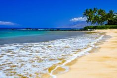 Wailea Beach, Maui, Hawaii www.aloha-hawaiian.com #hawaii #mauibeaches #mauihoneymoons #maui