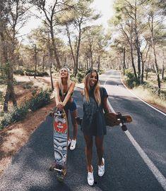 18 best longboard images in 2019 Photos Bff, Best Friend Photos, Best Friend Goals, Friend Pics, Cute Friend Pictures, Longboarding, Skater Girls, Jolie Photo, Cute Friends