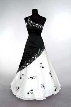 b3339a5ce44 NEW Black White Embroidery Wedding Dress Bridesmaid Graduation Ball Gown  Custom