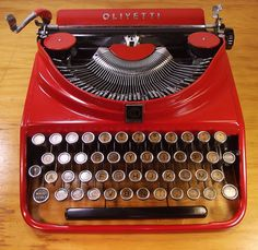 oz.Typewriter: Olivetti ICO MP1: Don't Cry For Me, Argentina