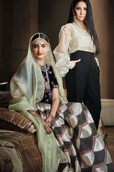 Sonam Kapoor for Brides Today India India Fashion, Ethnic Fashion, Women's Fashion, Indian Dresses, Indian Outfits, Sabyasachi Collection, Indian Bridal Fashion, Indian Ethnic, Indian Style