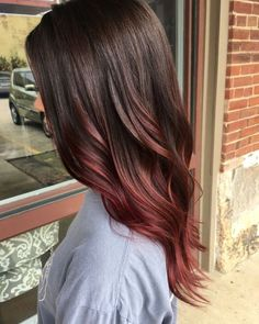 Brown to red ombré. when i see all these fall hair colors for brown blonde balayage carmel hairstyles it always makes me jealous i wish i could do something like that I absolutely love this fall hair color for brown blonde balayage carmel hair style so pretty! Perfect for fall!!!!!