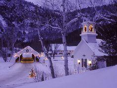 new york citychristmas decorations | Best cities with Christmas decorations? (houses, school, subdivision ...