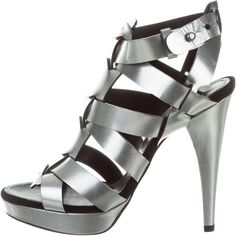 Pre-owned Barbara Bui Metallic Caged Sandals ($125) ❤ liked on Polyvore featuring shoes, sandals, silver, silver metallic sandals, metallic leather sandals, platform sandals, caged shoes and leather shoes