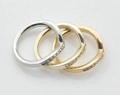 Luxusná brošňa na šatku zložená z troch prsteňov v rôznej farbe