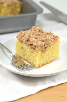 Skinny Cinnamon Crumb Coffee Cake - lower cal and lower fat! Perfect for Easter brunch :)