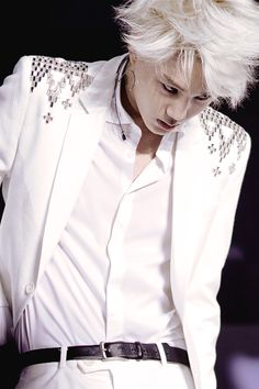 "Love his ""mad scientist"" look in Overdose!!   -Lily.  #kai #exo"