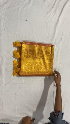 Kanjivaram Sarees Silk, Pure Silk Sarees, Peach Colors, Pink Color, Good Morning Thursday Images, Checks Saree, Indian Flowers, Silk Sarees Online, Sari Fabric