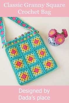 How to Crochet a Solid Granny Square : Classic granny square crochet bag design. How to Crochet a Solid Granny Square : Classic granny square crochet bag designed by Dada's plac Granny Square Bag, Granny Square Crochet Pattern, Crochet Squares, Crochet Granny, Crochet Patterns, Blanket Patterns, Granny Granny, Crochet Blocks, Square Blanket