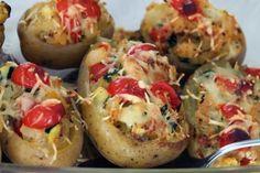 Gefüllte Kartoffeln - Tomaten, Zucchini mit Käse überbacken