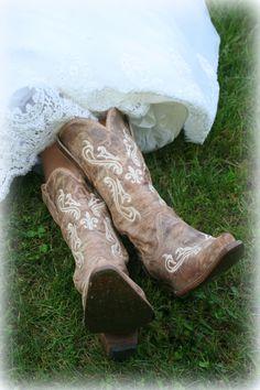 country wedding  cowboy boots wedding gown  www.thealderhouseplantation.com  Greenville SC weddings