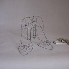Shoe Fetish Dressmaker, Headphones, Sculpture, Shoes, Headpieces, Zapatos, Shoes Outlet, Ear Phones, Sculptures